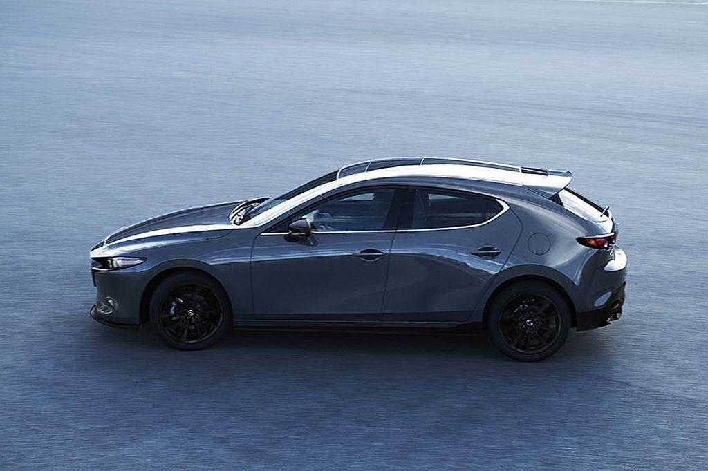 在美國洛杉磯車展全球首發之後,全新第四代Mazda3將回到日本當地公開展示。 圖...