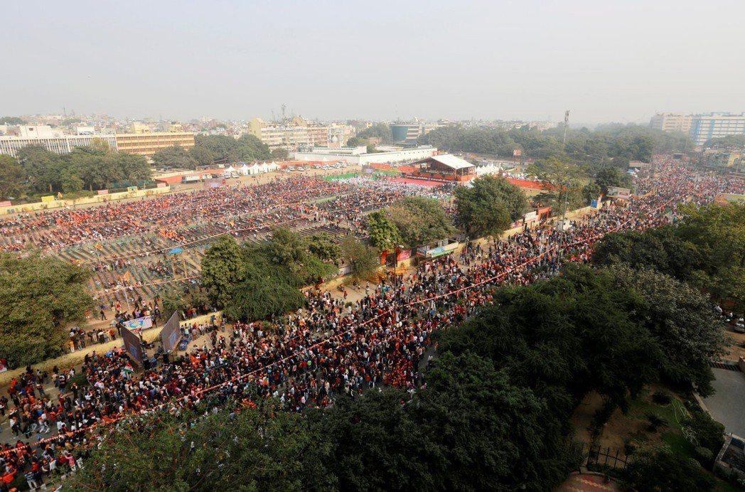 2018年12月9日的大抗議,大批的印度教徒湧上新德里街頭,要求盡快重建羅摩神廟...