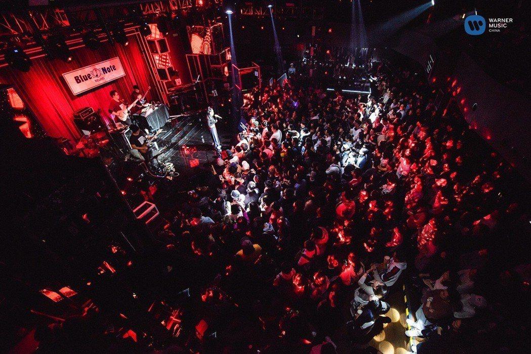 袁婭維昨在北京舉辦生日音樂會。圖/華納提供