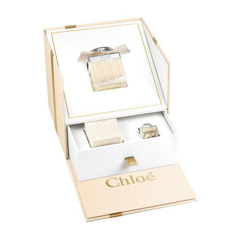 Chloé同名法式香氛典藏禮盒(淡香精75ml+身體乳100ml+小香5ml)。...