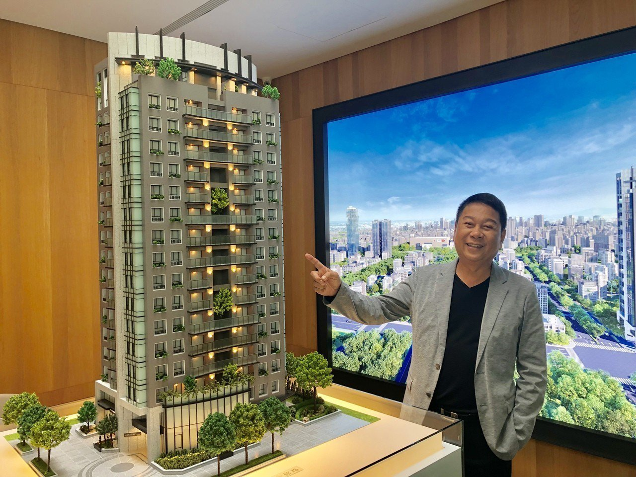 博星建設總經理陳慶璋,取得五權路、五權五街口黃金角地,創造棟距開闊的地標級住宅大...