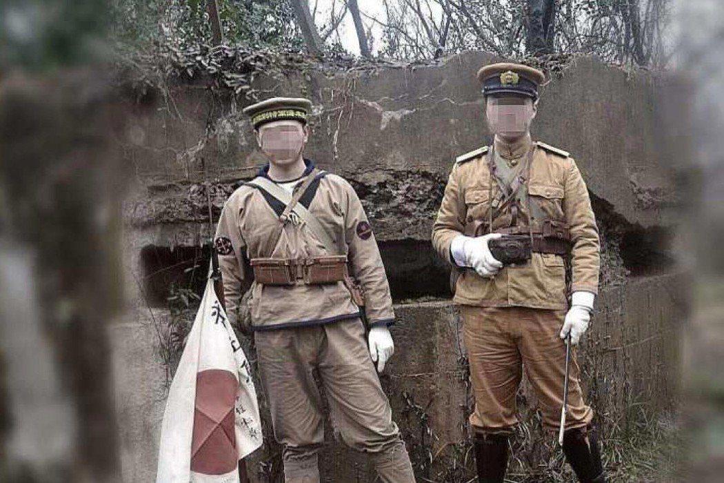 今年2月,南京有兩名中國年輕人,身穿令人聯想到侵華日軍的軍服拍下照片並發布到網路...