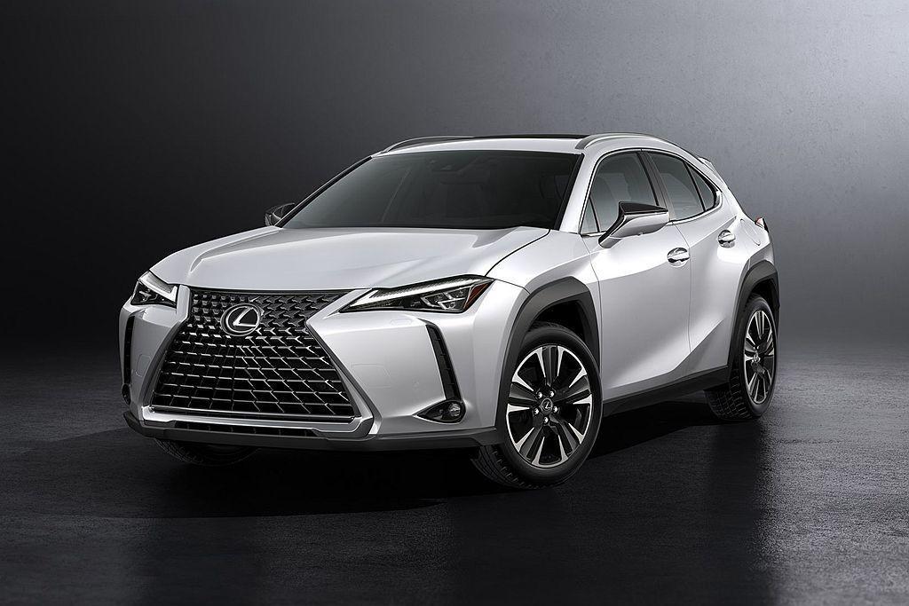 Lexus UX200也在11月通過新車油耗測試,具備平均16.5km/L、市區13.4km/L、高速18.9km/L的成績。 圖/Lexus提供