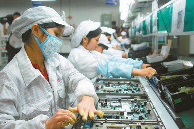 富士康公司在中國僱用了上百萬名勞工。圖/報系資料庫