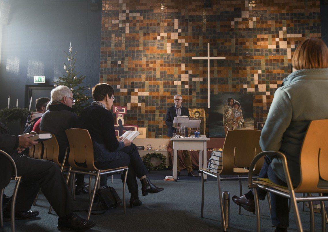 荷蘭海牙的伯特利教會,已連續50天、每天24小時不間斷地舉行禮拜儀式。 圖/美聯...