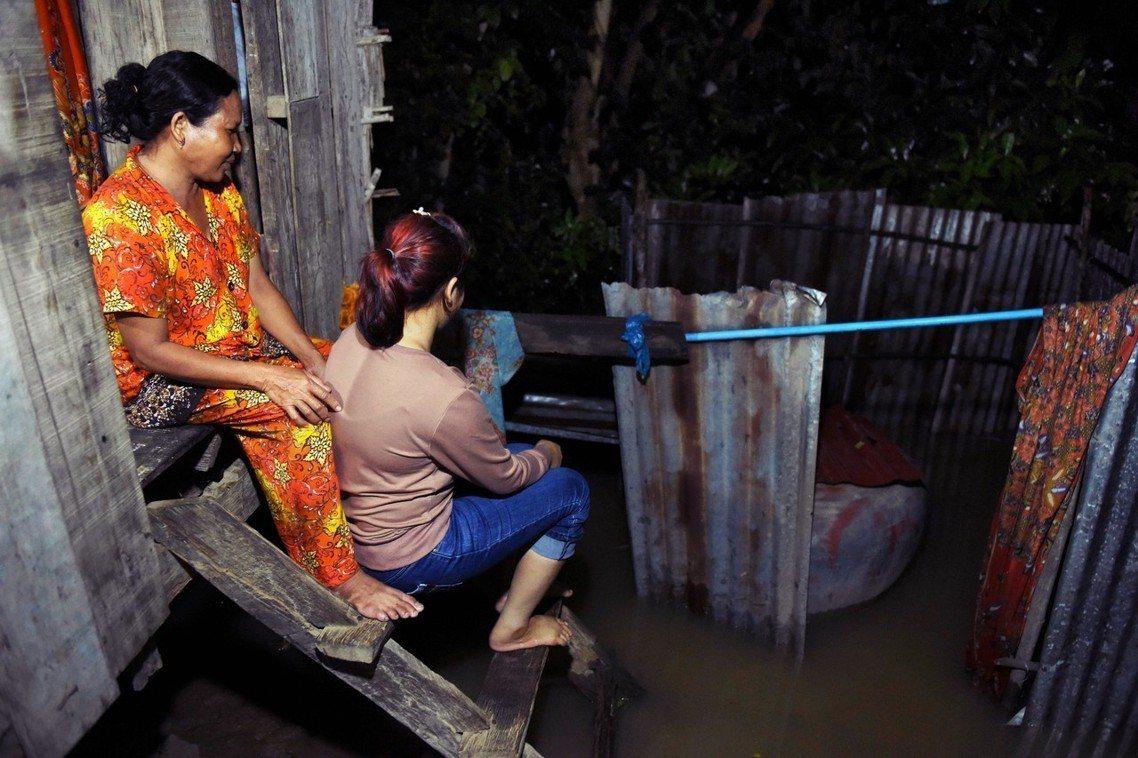 化名「娜里」的柬埔寨女子,曾是跨國騙婚的受害者之一。 圖/法新社