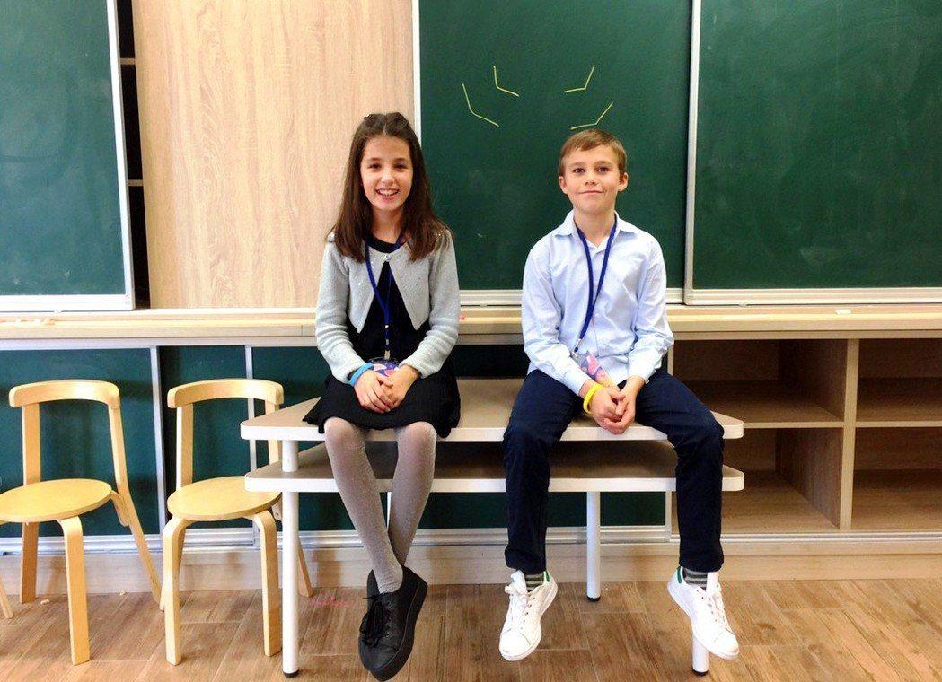 今年剛滿10歲的Valeria viñambres Boada與Vincente...