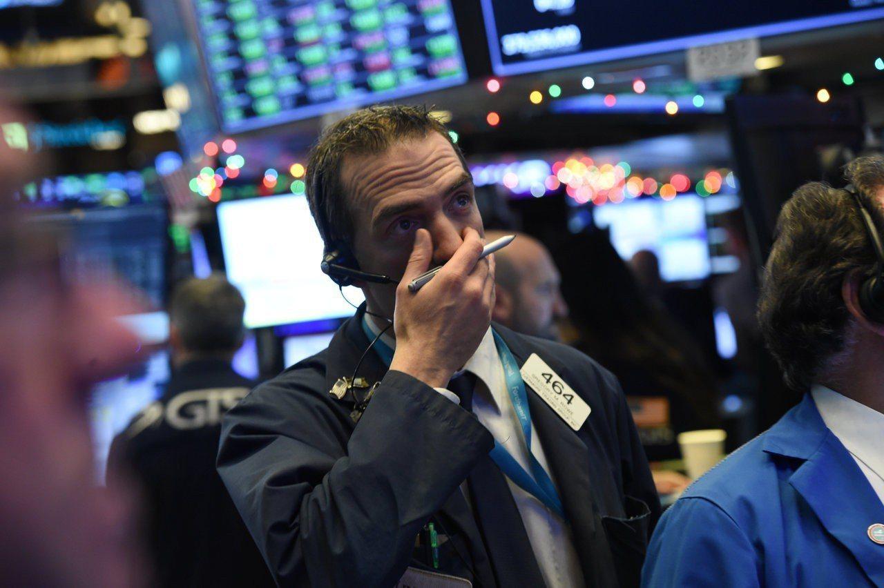 美股持續震盪,ETF資金本周大舉流出。 路透