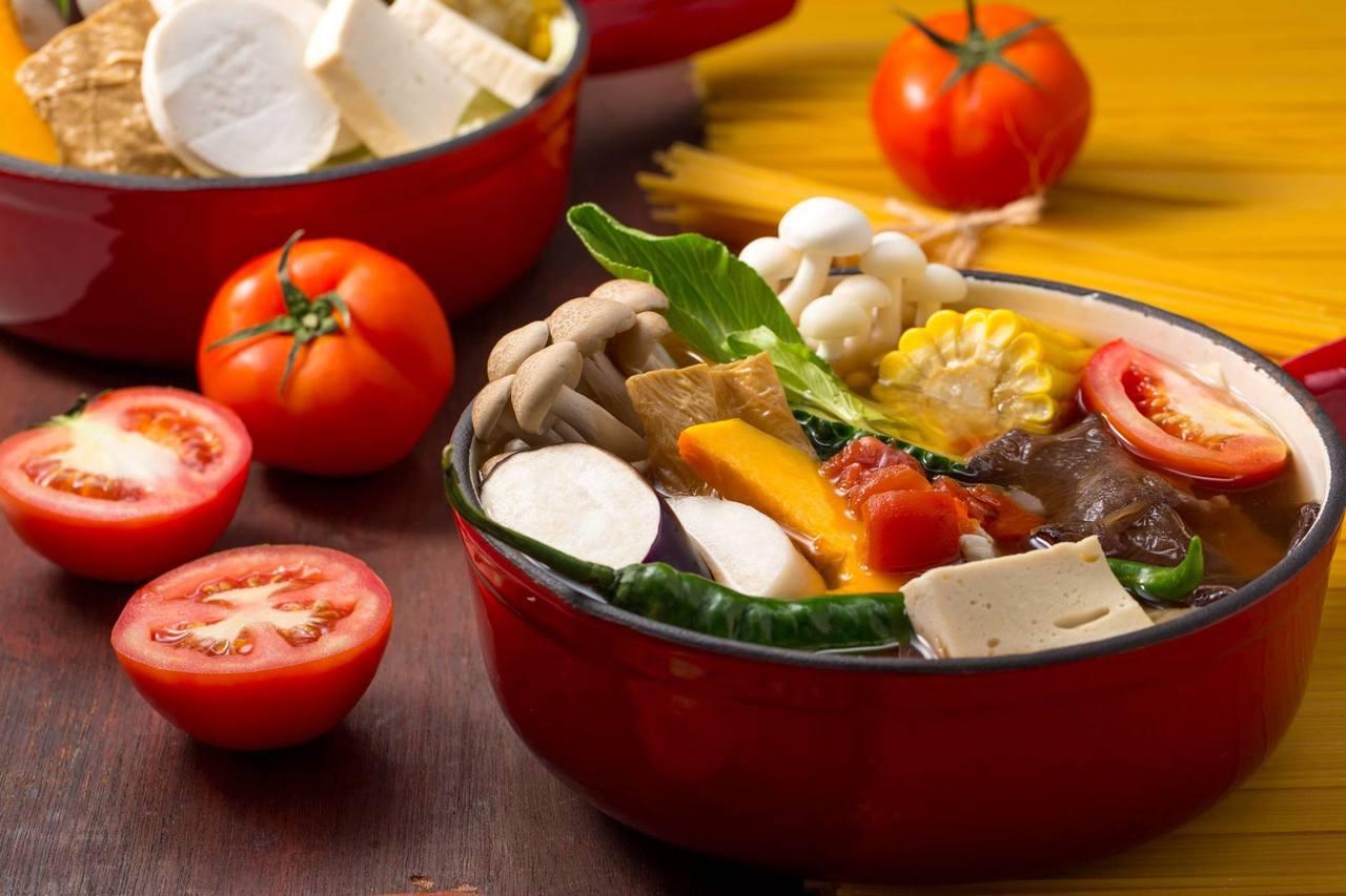 舒果新米蘭蔬食主要提供時令蔬菜料理,目前在台共有4間門市。圖/取自舒果新米蘭蔬食...