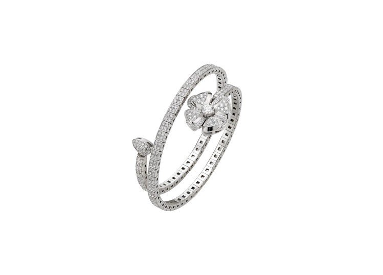 BVLGARI FIOREVER 系列白K金鑽石手鐲,119萬8,000元。圖/...