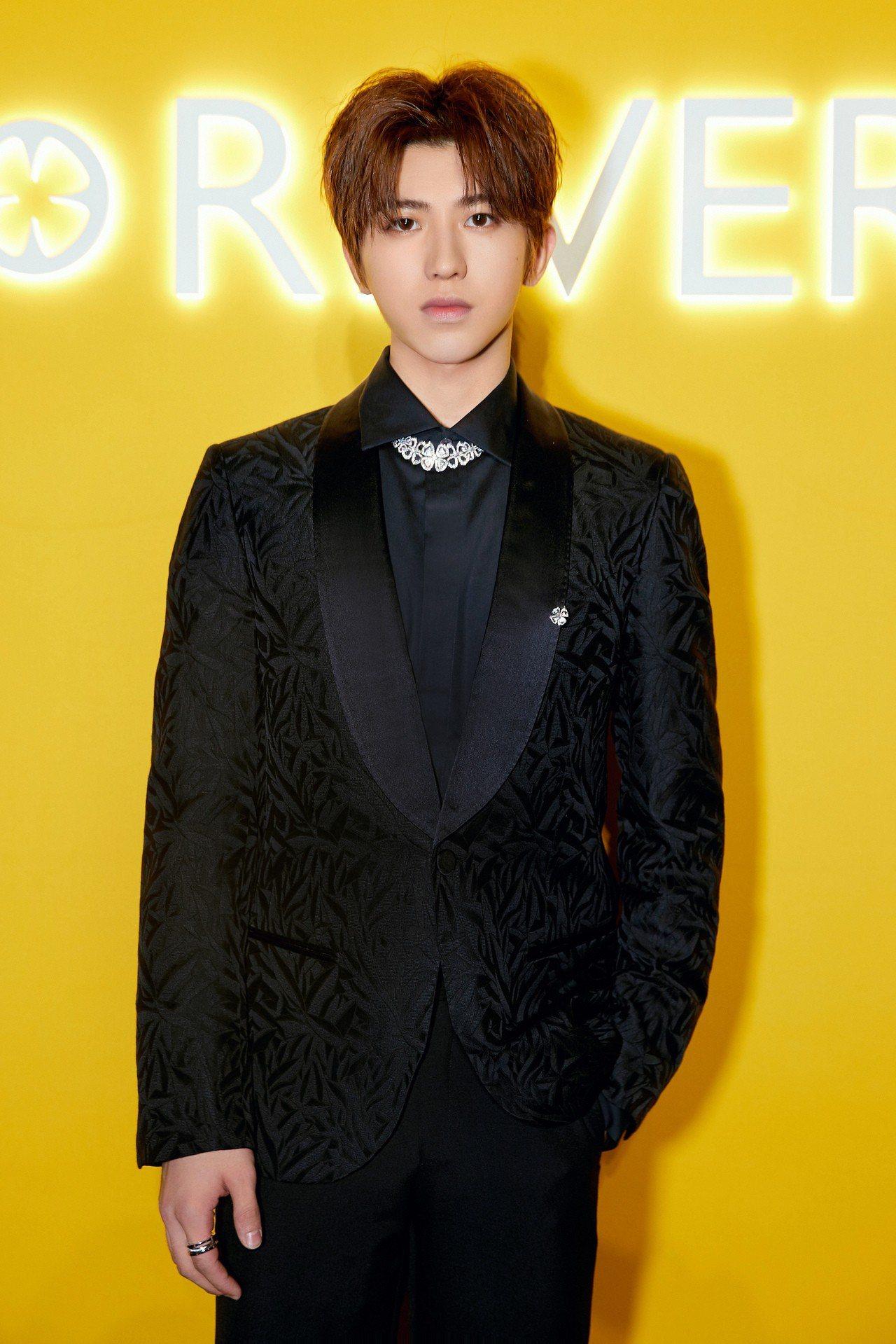以偶像練習生節目出道的歌手蔡徐坤。圖/寶格麗提供