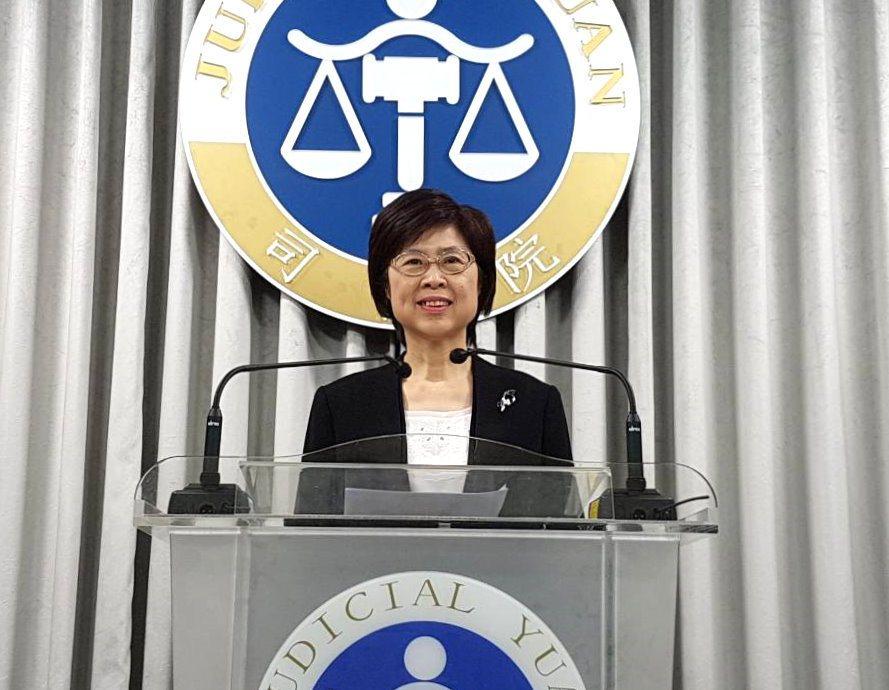 司法院副秘書長葉麗霞說明釋字第771號解釋。記者王宏舜/攝影