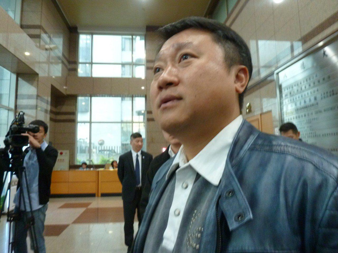 國民黨立委林為洲今天接受廣播專訪時,脫口說出「李哲華(國民黨組發會主委)就是吳敦...