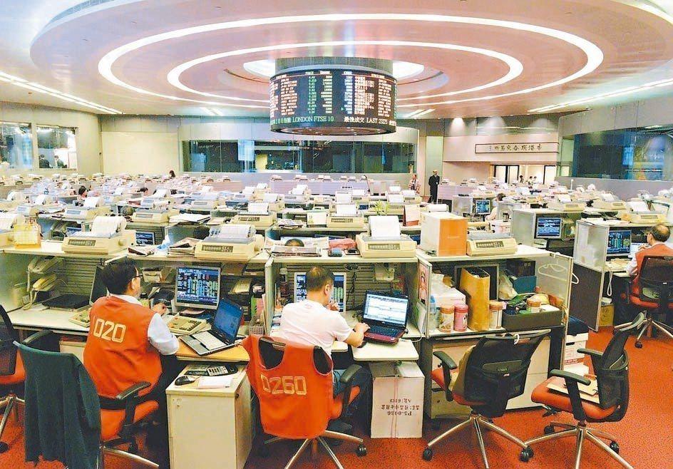 港交所披露的數據顯示,港股整體交易額下降,個股零成交的現象越來越多且頻繁。 本報...