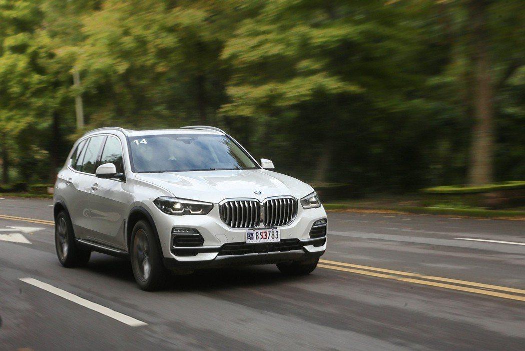 全新BMW X5持續在動力表現上精進。 記者胡經周/攝影