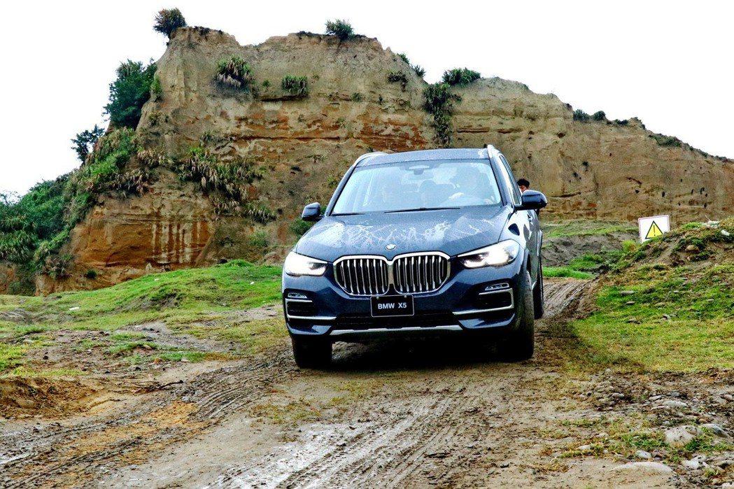 BMW X5 xDrive40i配備HDC陡坡緩降系統。 記者陳威任/攝影