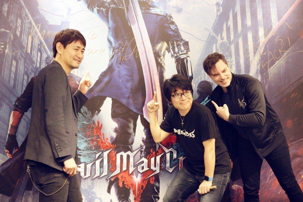 由左至右依序為製作人岡部真輝、總監伊津野英昭、製作人馬修沃克。