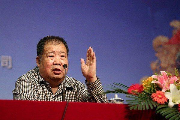 本名淩解放的大陸著名作家二月河15日病逝北京。(網路照片)