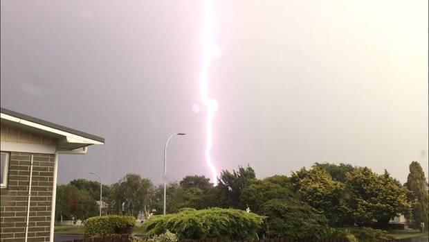 奧克蘭昨天出現大雷雨。取自紐西蘭先驅報網站