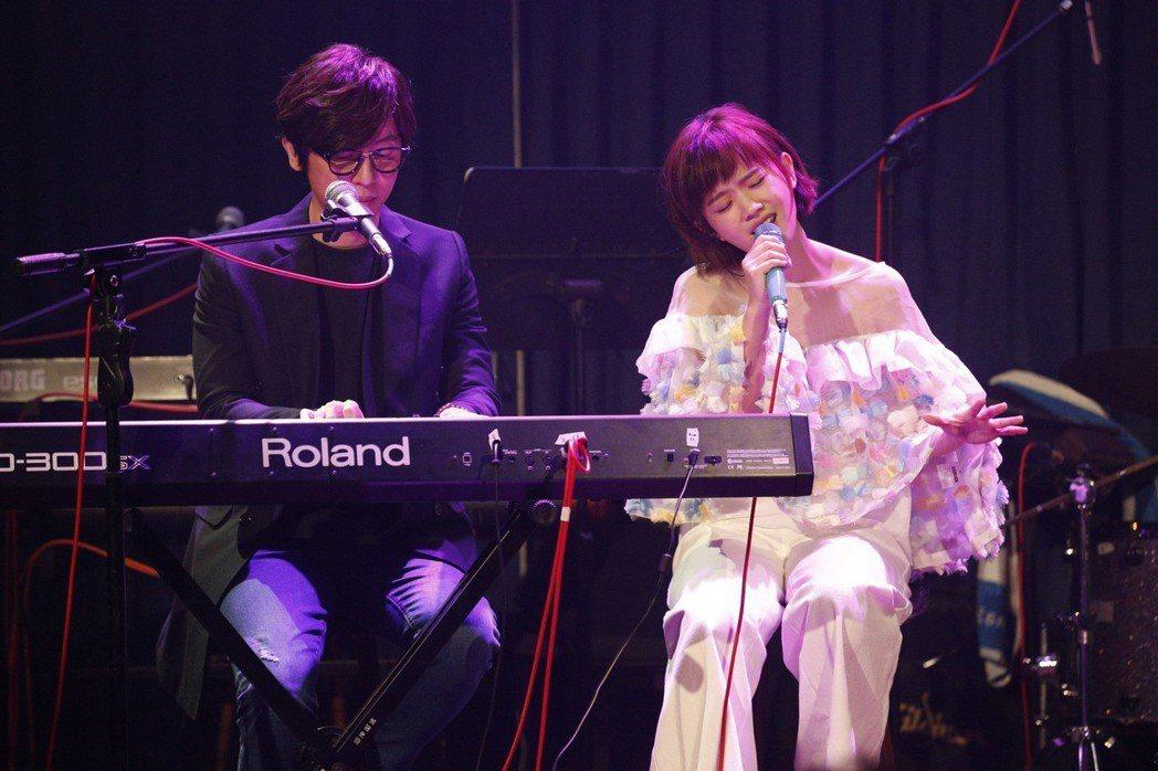 嚴正嵐14日舉辦小型演唱會,方泂鑌擔任嘉賓。圖/海蝶提供