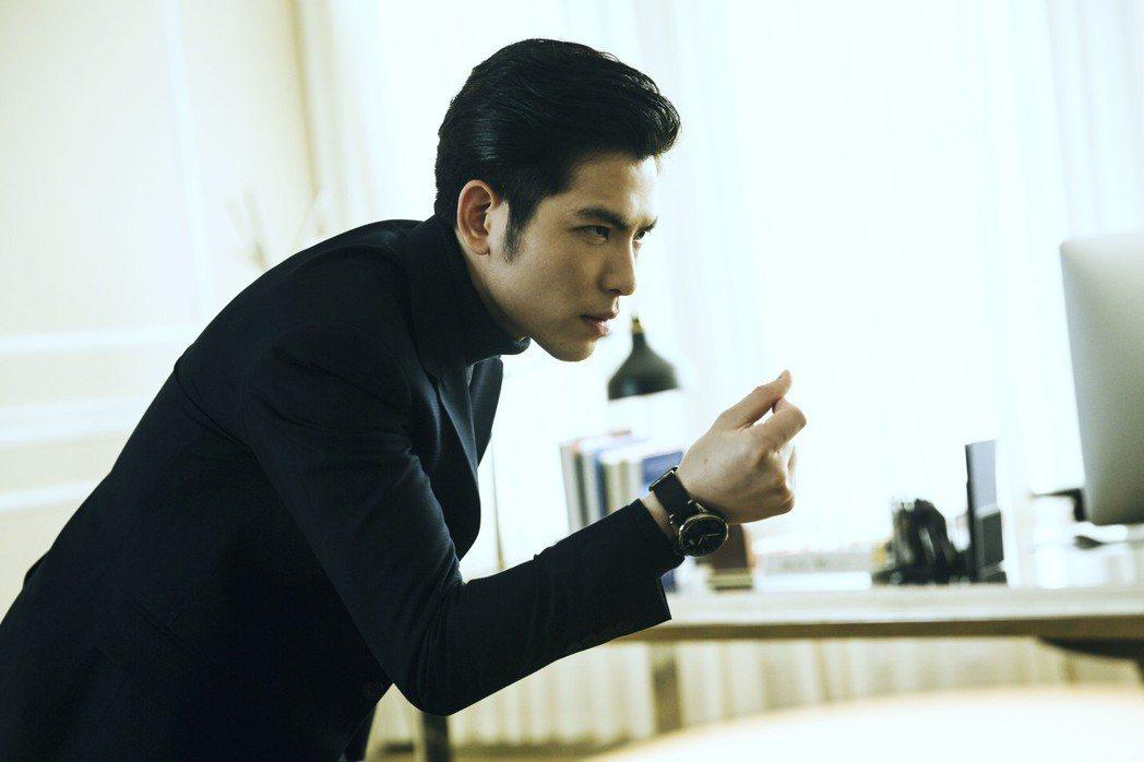 蕭敬騰在「魂囚西門」戲中演繹諮商專業,也包括催眠病患橋段。圖/公視提供