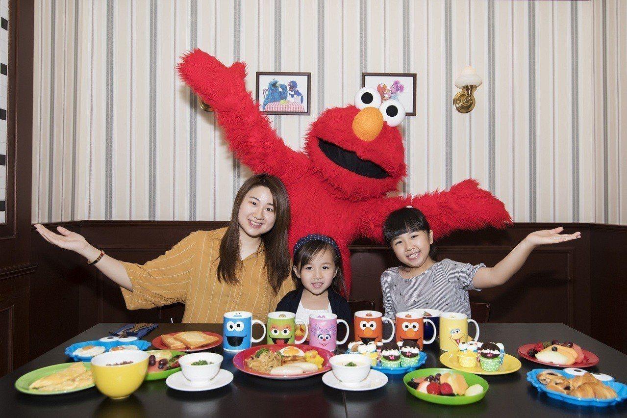 環球影城新推出與餅乾怪獸和艾蒙共享早餐的活動。圖/聖淘沙名勝世界提供
