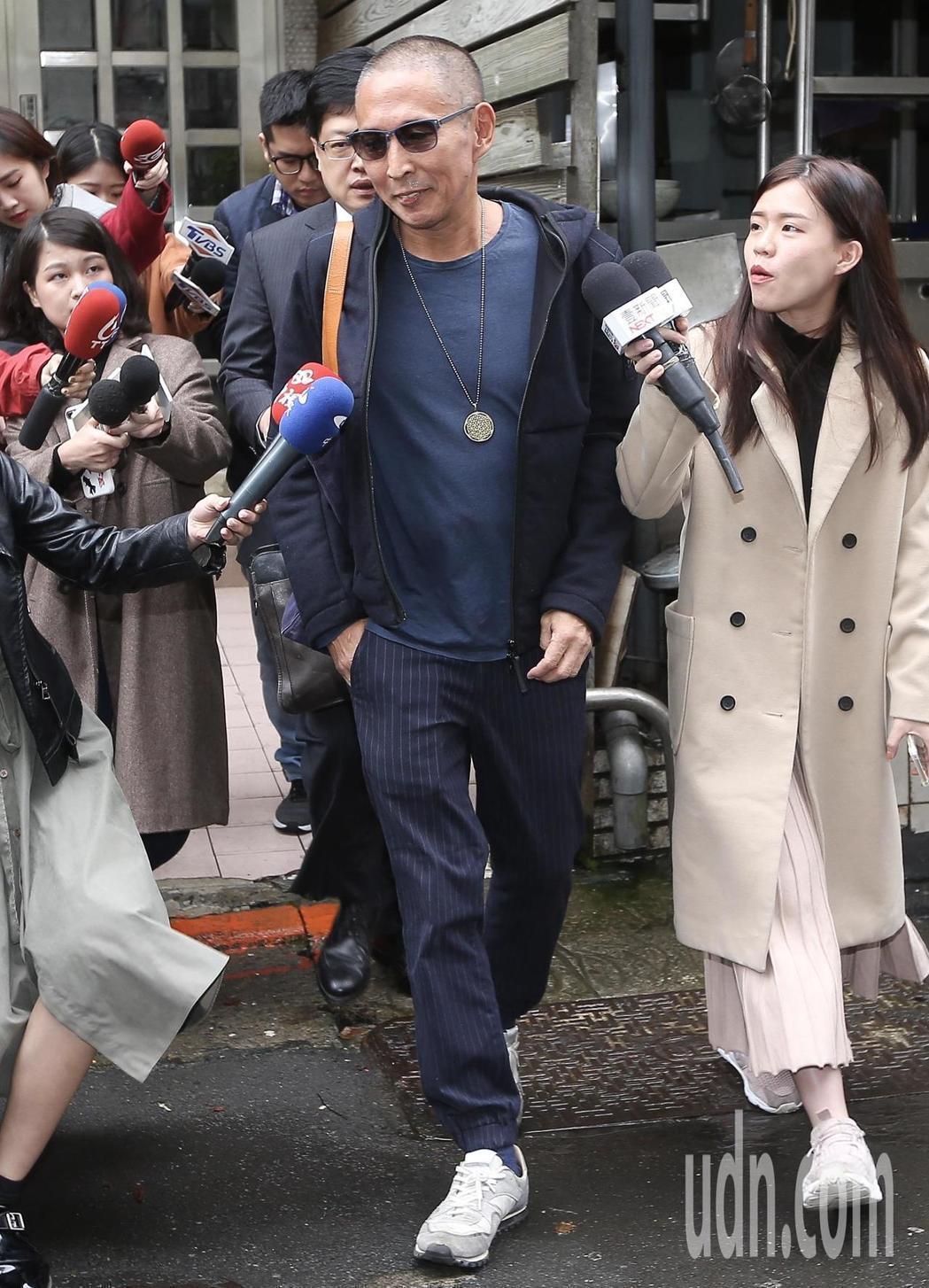 鈕承澤先前赴台北地檢署出庭應訊,已裁定150萬元交保,但被限制出境。記者余承翰/...