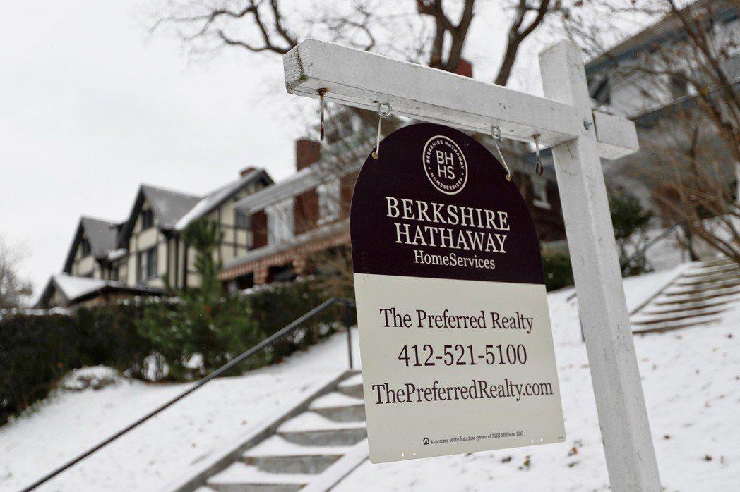 美國房市放緩的情況已蔓延到拉斯維加斯及鳳凰城等房價較低的區域,顯示美國房市走軟恐怕不只是一時的現象。 美聯社