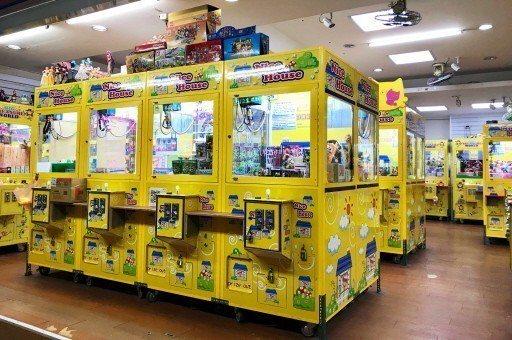 財政部台北國稅局指出,今年鎖定查核重點首度列入娃娃機,其餘包括夜市、醫美診所、產...