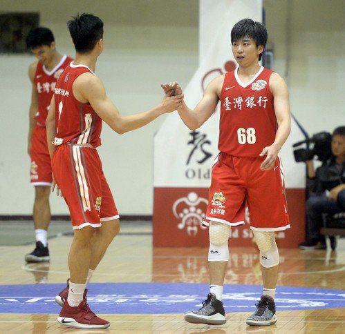 台銀擊敗台啤。 中華籃協提供
