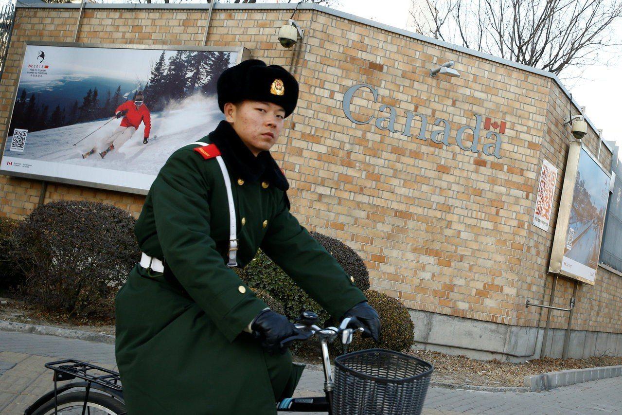 加拿大駐華大使獲准見被中國拘留前外交官。 路透社