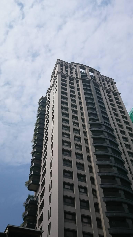 高雄市有不少新建案陽台推出增設綠化空間。記者謝梅芬/攝影