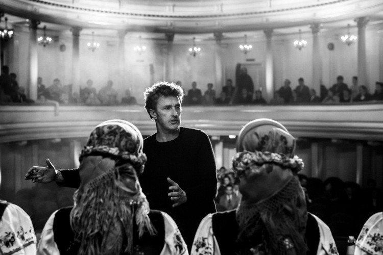 2018 年歐洲電影獎於歐洲時間晚間揭曉,被視為今年獎季領頭羊的波蘭電影「沒有煙硝的愛情」果然不負眾望,一舉拿下最佳影片、最佳導演、最佳女主角、最佳編劇以及最佳剪輯等五項大獎,成為今年頒獎典禮最大贏...