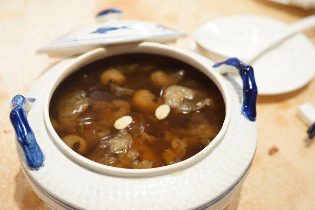 花開富貴甜湯。圖/林裕森提供