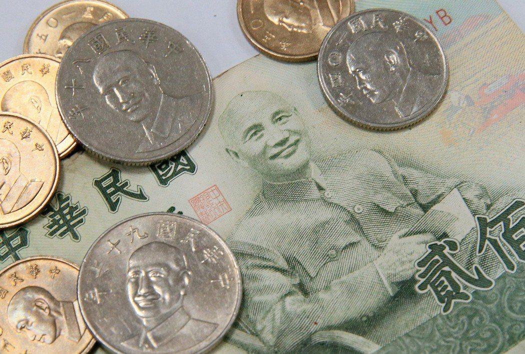 針對促轉會是否為「去蔣」而改版新台幣引發輿論關切,圖為新台幣上的蔣公像。 記者潘...