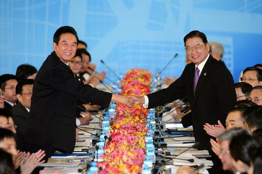 2012年第8次江陳會,陳雲林此次抵台訪問,並簽署兩岸投保協議,未見大規模陳抗。...