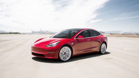 Tesla Model 3奪下Laguna Seca賽道最速市售電動車寶座