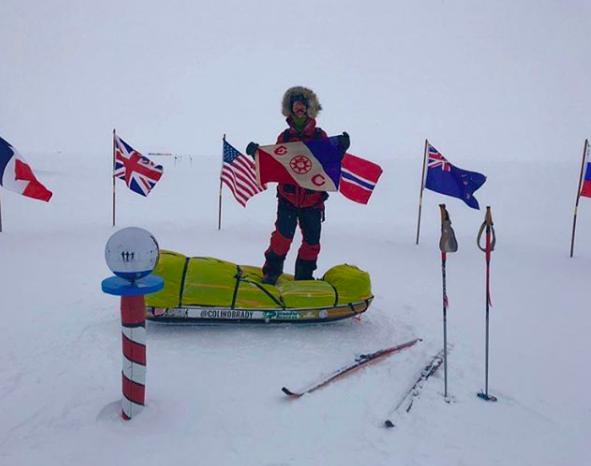 奥布雷迪在13日取得重大成就,他滑雪徒步從南極洲海岸抵達南極,完成一半近路程。取...
