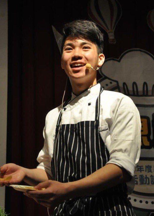 明道中學餐飲科三年級學生王奕鈞,獲得多項國際廚藝賽事獎項。圖/明道中學提供