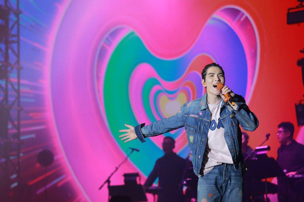 蕭敬騰的「娛樂先生」世界巡迴演唱會在日前已巡迴到美加。圖/華納提供