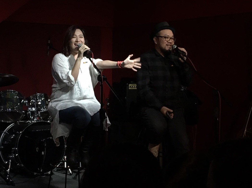 「雙城故事」導演葉天倫邀羅美玲出席音樂派對。圖/青睞影視提供