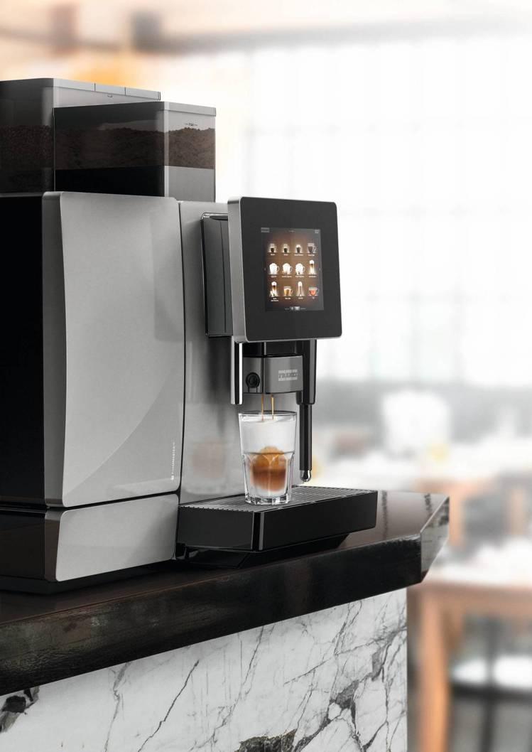 萊爾富今年新引進了全新美式咖啡豆及瑞士咖啡機。圖/萊爾富提供