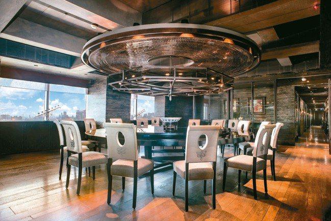 剛拿下2018年《台北米其林指南》三星的君品酒店中餐廳頤宮,也進入1,000間最...