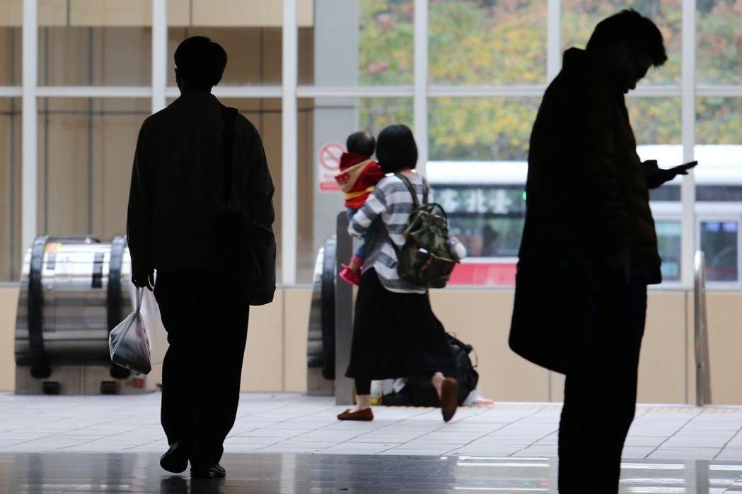 海外工作國人數量再創新高,專家認為,相較於「量」的流失,大家更應在意「質」的變化...