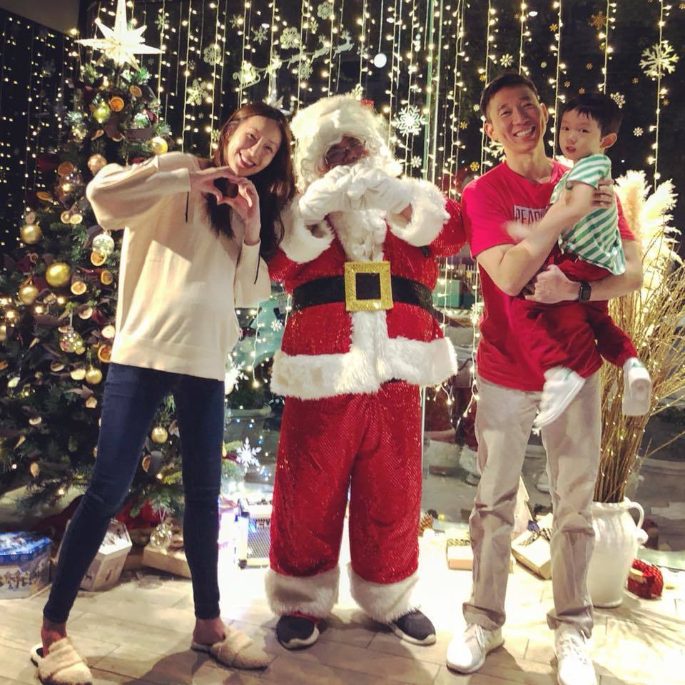 隋棠與家人提前過耶誕,曝光孕肚照。圖/摘自臉書