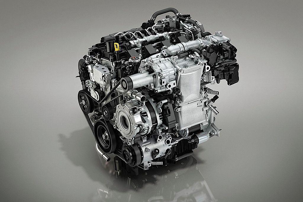 結合汽油引擎火星塞點火及柴油引擎壓縮點火技術的新2.0L Skyactiv-X引...