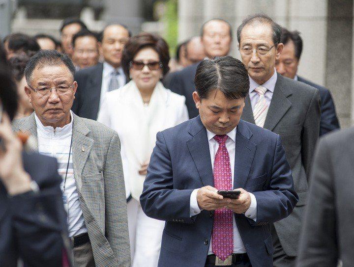 日本上班族。報系資料照