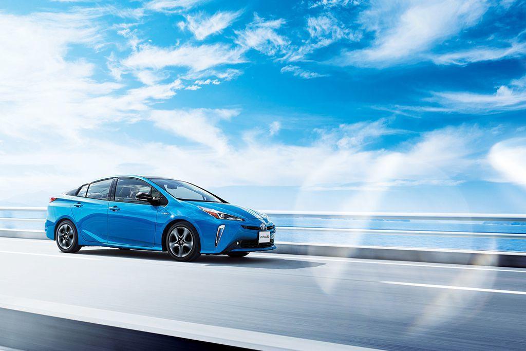 日規小改款Toyota Prius全車系標配TSS主動式安全防護系統,包含Pre...