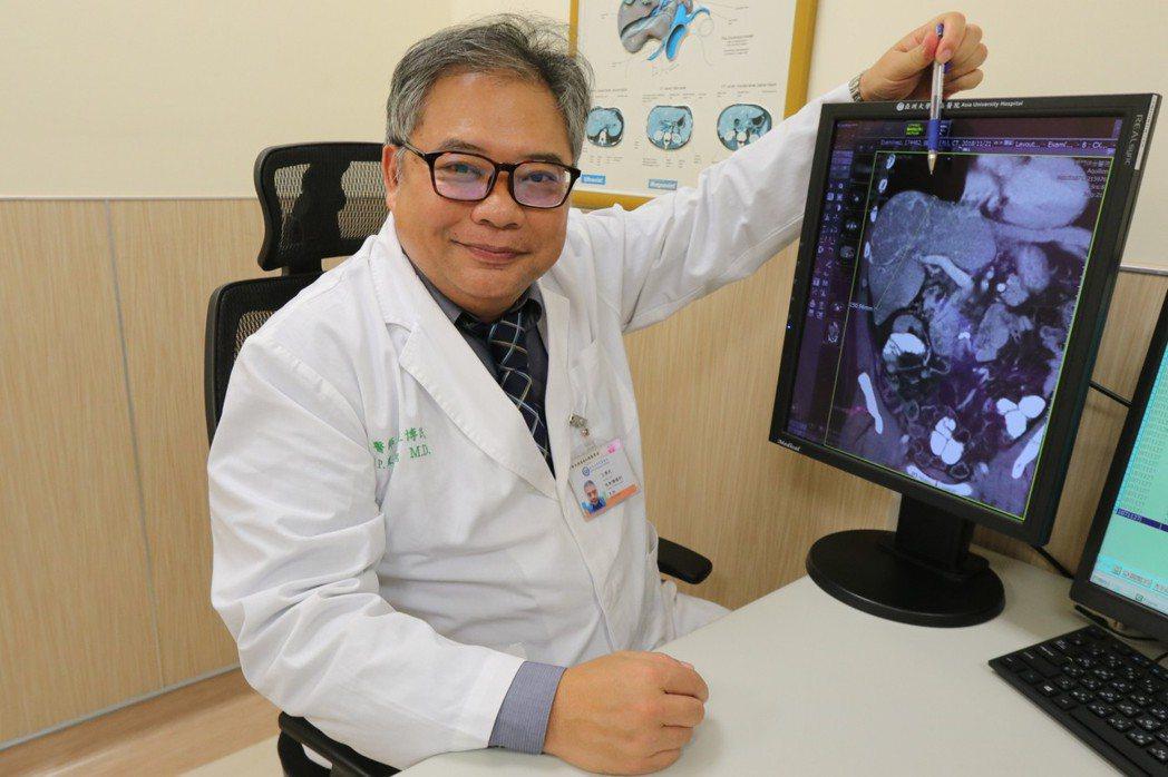 亞洲大學附屬醫院放射腫瘤科主任王博民指出,標靶真光刀系統能在短時間內見到成效,但...