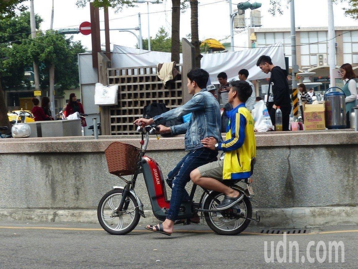 交通部研擬納管電動自行車。聯合報系資料照片